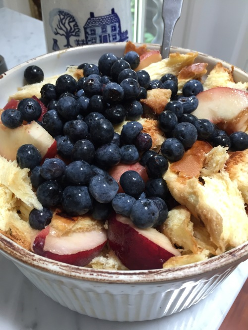peach-blueberry bread pudding.3